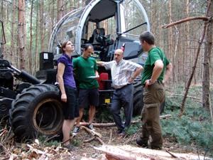 Abb. 2: Vorbeugender Bodenschutz bei der Holzernte setzt einen höheren Planungsaufwand voraus. (Foto: LFB)